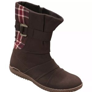 New Patagonia Kula Buckle up Boots Size 9